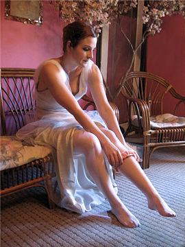 garter 270px-Bride_getting_dressed.jpg